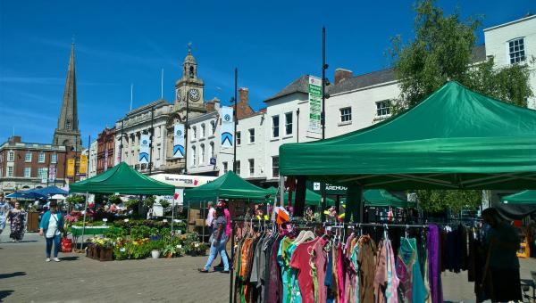 Market in Hereford Hightown in the sun